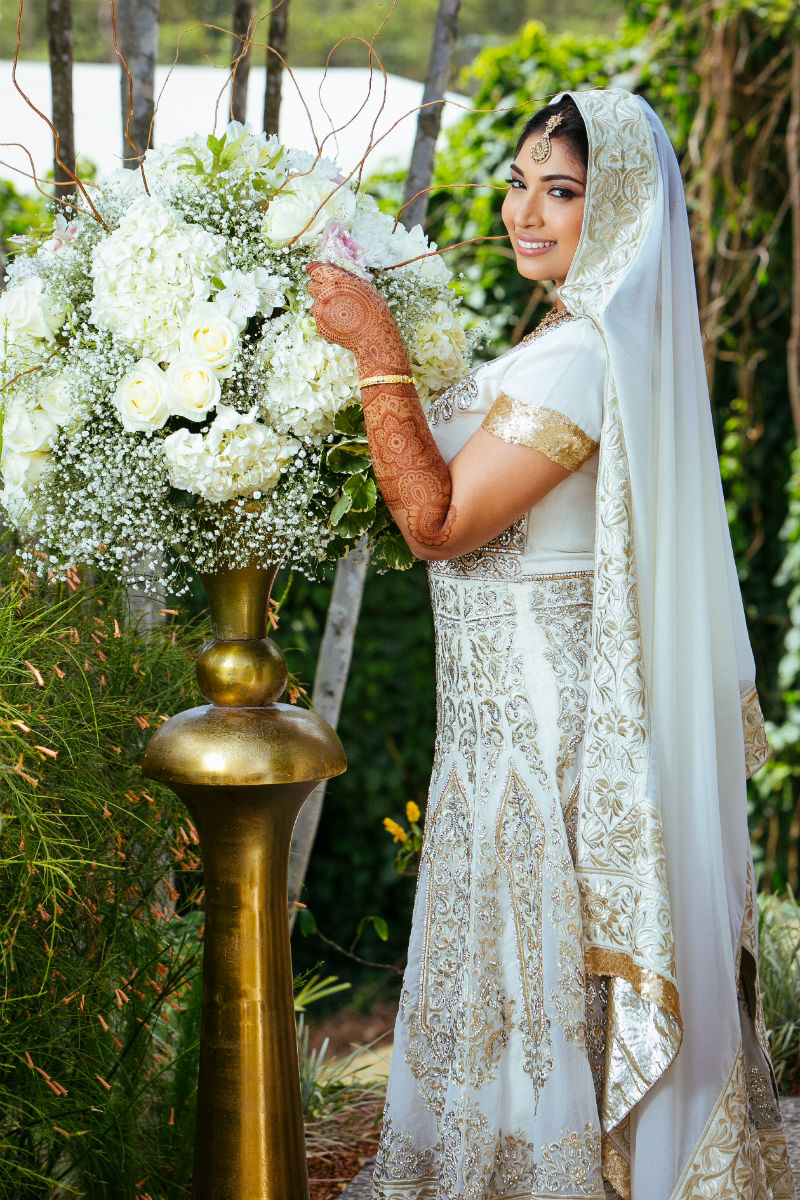 Drew Manor Charming Countryside Hindu Wedding